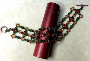 Marie Antoinette bracelet version - using Swarovski Hyacinth rivolis.